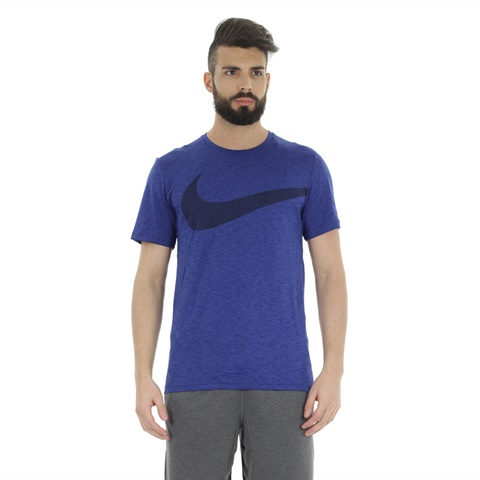 T-SHIRT BREATHE SWOOSH UOMO NIKE